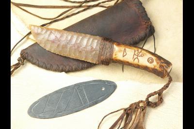 Couteau à lame en silex «Le chaman»